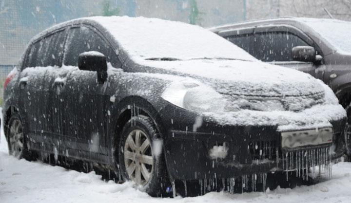Замерз замок капота автомобиля, как разморозить